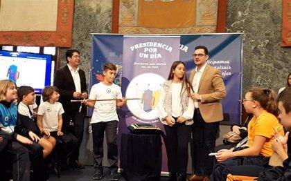 El niño Florentín Magdaleno, elegido 'presidente por 1 día' del Cabildo de Tenerife