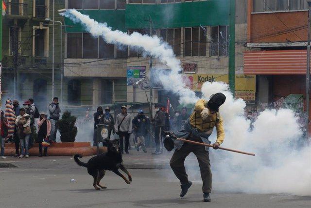 España asiste a 86 españoles en Bolivia después de la crisis provocada por las e