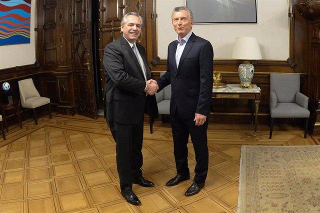 Los presidentes electo y saliente de Argentina, Alberto Fernández y Mauricio Macri, respectivamente