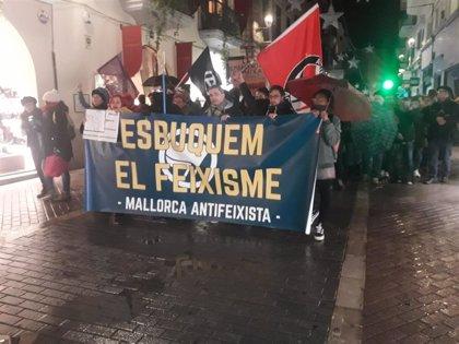 Más de 200 personas participan en una manifestación antifascista en Palma de Mallorca