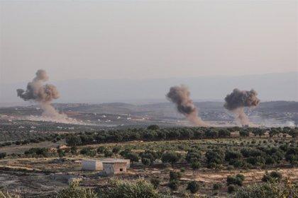 Mueren 15 personas en un ataque del Ejército de Siria contra un campamento de desplazados en Idlib