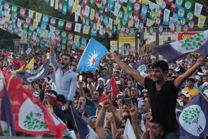 El prokurdo HDP critica la política de cese de sus alcaldes y pide elecciones anticipadas en Turquía