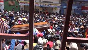 Bolivianos velan a los fallecidos en las protestas