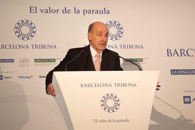 El abogado Miquel Roca Junyent interviene durante el almuerzo-conferencia organizado por Barcelona Tribuna con la alcaldesa de L'Hospitalet de Llobregat, Núria Marín