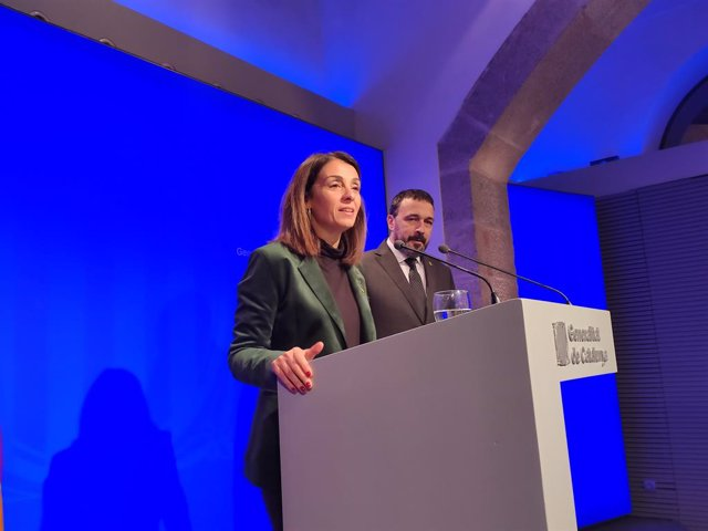 La portaveu del Govern, Meritxell Budó, i el director general d'Anàlisi i Prospectiva, Josep Rius.