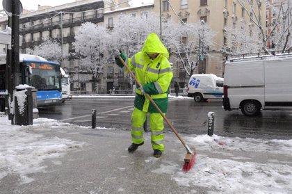 El Plan Nevada de Madrid cuenta con 52 quitanieves, 7.254 toneladas de sal y casi 4.000 efectivos de limpieza