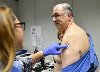 Desde finales de octubre ya se han vacunado de la gripe el 13 por ciento de los españoles mayores de 65 años