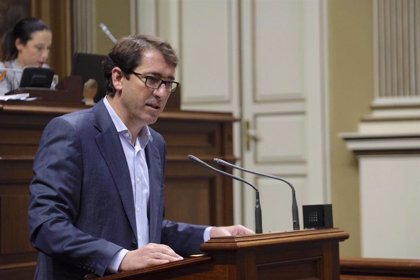 """Lavandera (PSOE) dice que el presupuesto """"pone los cimientos"""" de una """"nueva era"""" en Canarias"""