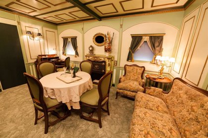 Una muestra repasa en Paterna la corta vida del Titanic con reproducciones y más de 200 objetos originales de alto valor
