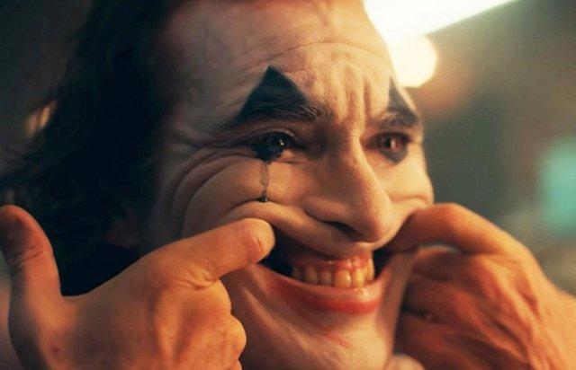 Joaquin Phoenix en el tráiler de The Joker