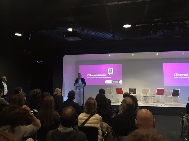 El primer tinent d'alcalde de Barcelona, Jaume Collboni, en la celebració del 20 aniversari del Cibernrium