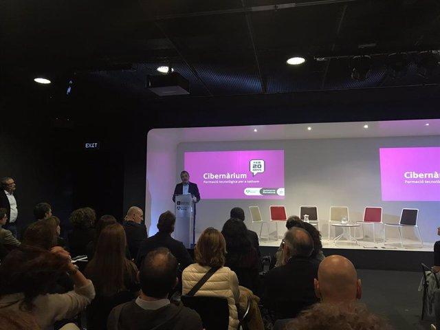 El primer tinent d'alcalde de Barcelona, Jaume Collboni, en la celebració del 20 aniversari del Cibernàrium