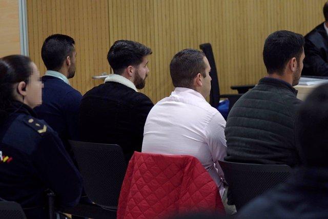 Vista de los cuatro miembros de La Manada, Alfonso Jesús Cabezuelo, José Ángel Prenda, Antonio Manuel Guerrero y Jesús Escudero durante el juicio