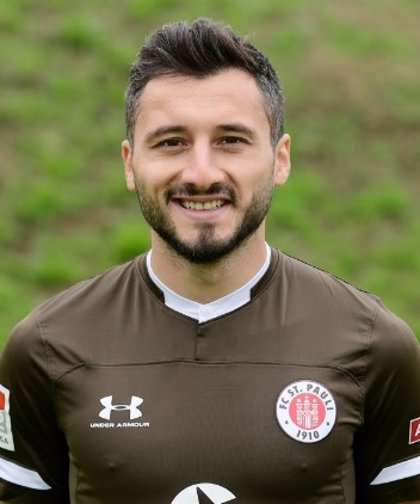 El St.Pauli rescinde el contrato de Cenk Sahin por apoyar la ofensiva militar turca en Siria