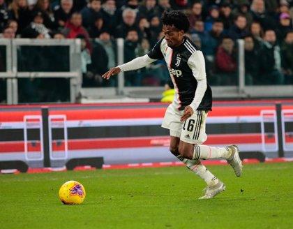 El colombiano Cuadrado renueva con la Juventus hasta 2022