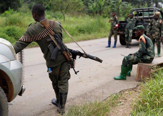 Soldados del Ejército (FARDC) en un aoperación contra las Fuerzas Democráticas Aliadas (FDA) ugandesas.