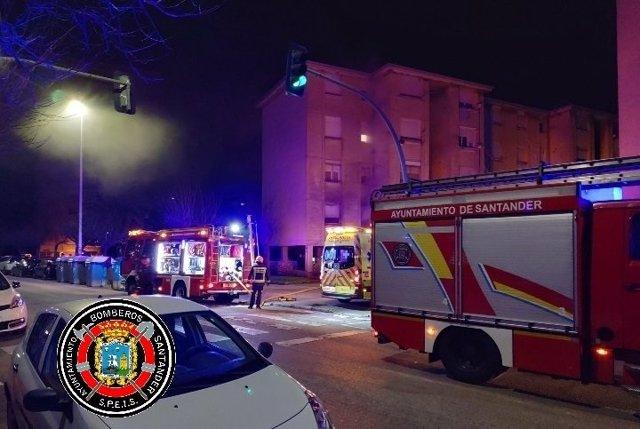Equipos de emergencias en el lugar