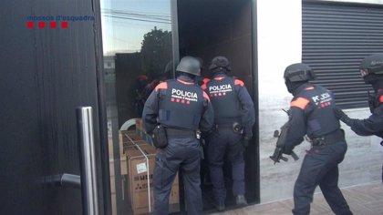 Desmantelada una banda por estafar más de 730.000 euros a entidades bancarias