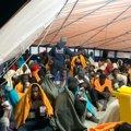 """Gobierno Vasco ha comenzado """"gestiones"""" para ayudar en el desembarco de las 78 personas rescatadas por el Aita Mari"""