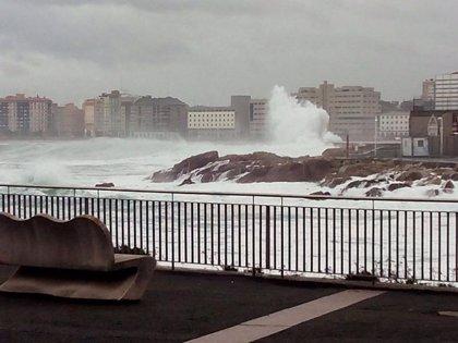 La Xunta activa la alerta naranja por temporal costero en las provincias de A Coruña y Lugo