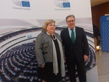 Eurodiputados muestran su apoyo en Granada a agricultores tras manifestaciones por la crisis del sector hortofrutícola