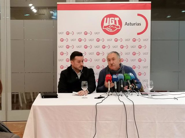 Javier Fernández Lanero y Pepe Álvarez en rueda de prensa.