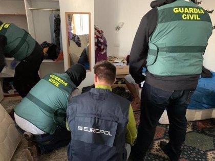 La Guardia Civil detiene en Tenerife a un yihadista natural de Mauritania por difundir vídeos de DAESH