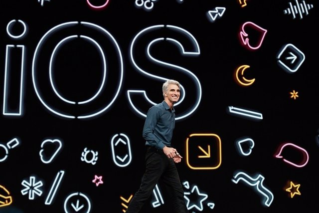 El vicepresidente senior de Ingeniería de Software de Apple, Craig Federighi, presenta iOS 13 en la WWDC 19 de Apple en San José (Estados Unidos).