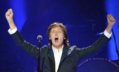 Paul McCartney publica por sorpresa dos nuevas canciones (que no pueden ser más Beatles)
