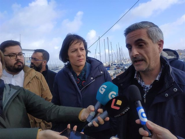 De izquierda a derecha: Xabier P. Igrexas, Ana Pontón y Sergio Gálvez.