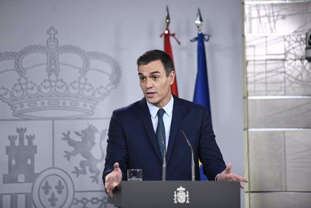 El president del Govern en funcions, Pedro Sánchez, compareix davant els mitjans després de la seva reunió amb el president electe del Consell Europeu, Charles Michelen, Madrid (Espanya), 14 de novembre del 2019.