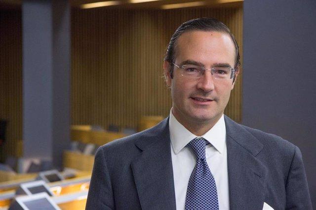 El presidente de la Federación de Empresarios Farmacéuticos Españoles (FEFE), Luis de Palacio