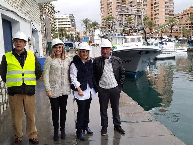 Visita de la consejera de Fomento, Infraestructuras y Ordenación del Territorio, Marifrán Carazo, a las obras de la nueva lonja del puerto pesquero de Fuengirola (Málaga)