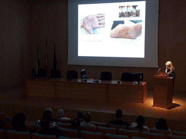 Hospital de Valme celebra un taller para concienciar sobre hábitos saludables a pacientes con psoriasis.
