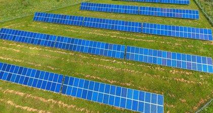 El sector fotovoltaico aplaude la decisión del Gobierno de garantizar la rentabilidad de las renovables