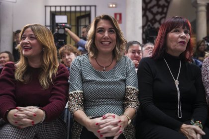 Navarro y Pérez animan a Susana Díaz a seguir liderando la oposición en Parlamento para defender derechos de andaluces
