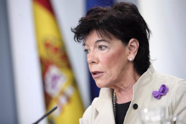La ministra Portavoz, y de Educación y Formación Profesional en funciones, Isabel Celaá, en rueda de prensa tras el Consejo de Ministros en Moncloa, en Madrid (España), a 22 de noviembre de 2019.