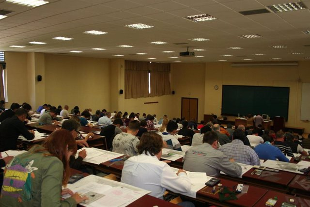 Participantes en pruebas de acceso a titulaciones náuticas en Andalucía.