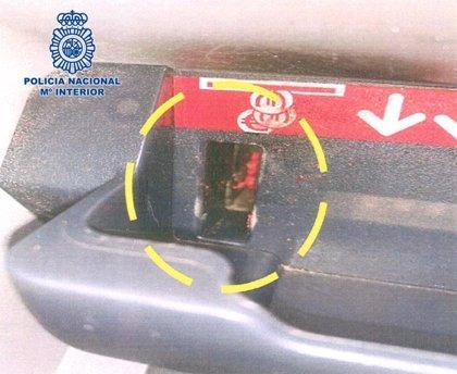 Detenido en Melilla un hombre con 106 arrestos acusado de idear un sistema para robar el cambio en los cajeros de banco