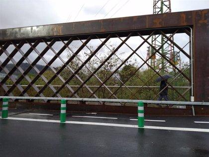 Un varón de 83 años fallece arrollado por un camión a la altura del Puente de la Baskonia, en Galdakao (Bizkaia)