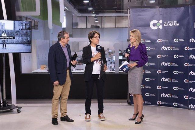 El administrador único de RTVC, Francisco Moreno, y la viceconsejera de Igualdad del Gobierno de Canariuas, Sylvia Jaén