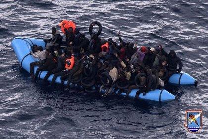 Marruecos rescata la tercera patera que se buscaba en aguas del Mar de Alborán