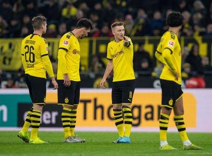 El Dortmund levanta un 0-3 y salva un punto con el colista