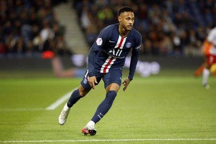 Neymar vuelve con el PSG en la victoria frente al Lille antes de visitar el Bernabéu
