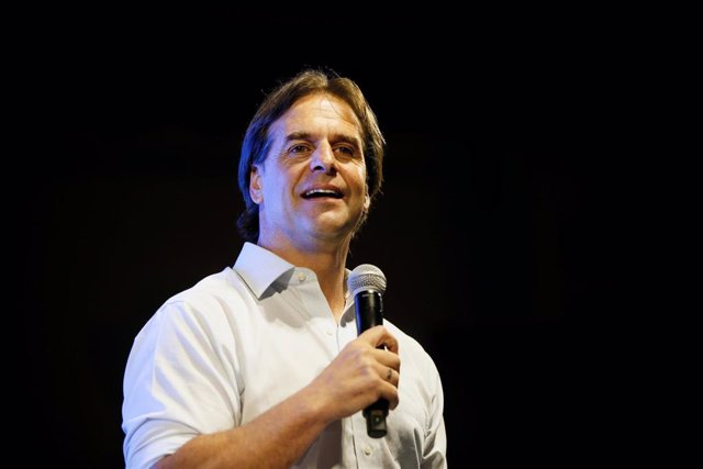 El candidato opositor a la Presidencia de Uruguay, Luis Lacalle Pou