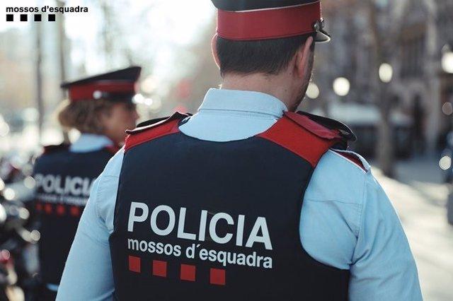 Agents de patrulla dels Mossos d'Esquadra. (ARXIU)