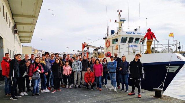 Erasmus visitan la Lonja del Pescado de Almería