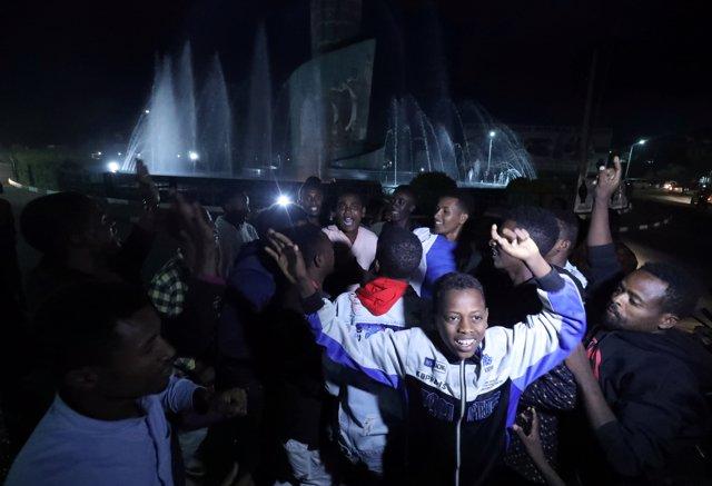 Ciudadanos celebran los resultados de referéndum por los que Sidama se convierte en una nueva región estatal de Etiopía