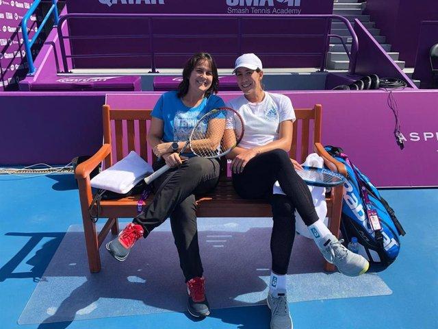 Garbiñe Muguruza y Conchita Martínez