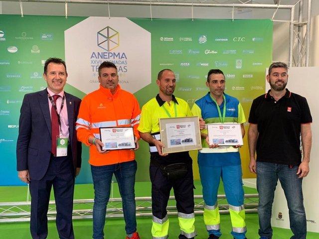 El trabajador de la empresa pública Saneamientos de Córdoba (Sadeco) Miguel Ángel Caballero ha obtenido el tercer puesto en el III Desafío de Conducción Eficiente y Maniobrabilidad con Vehículos Recolectores 'Optiwaste'